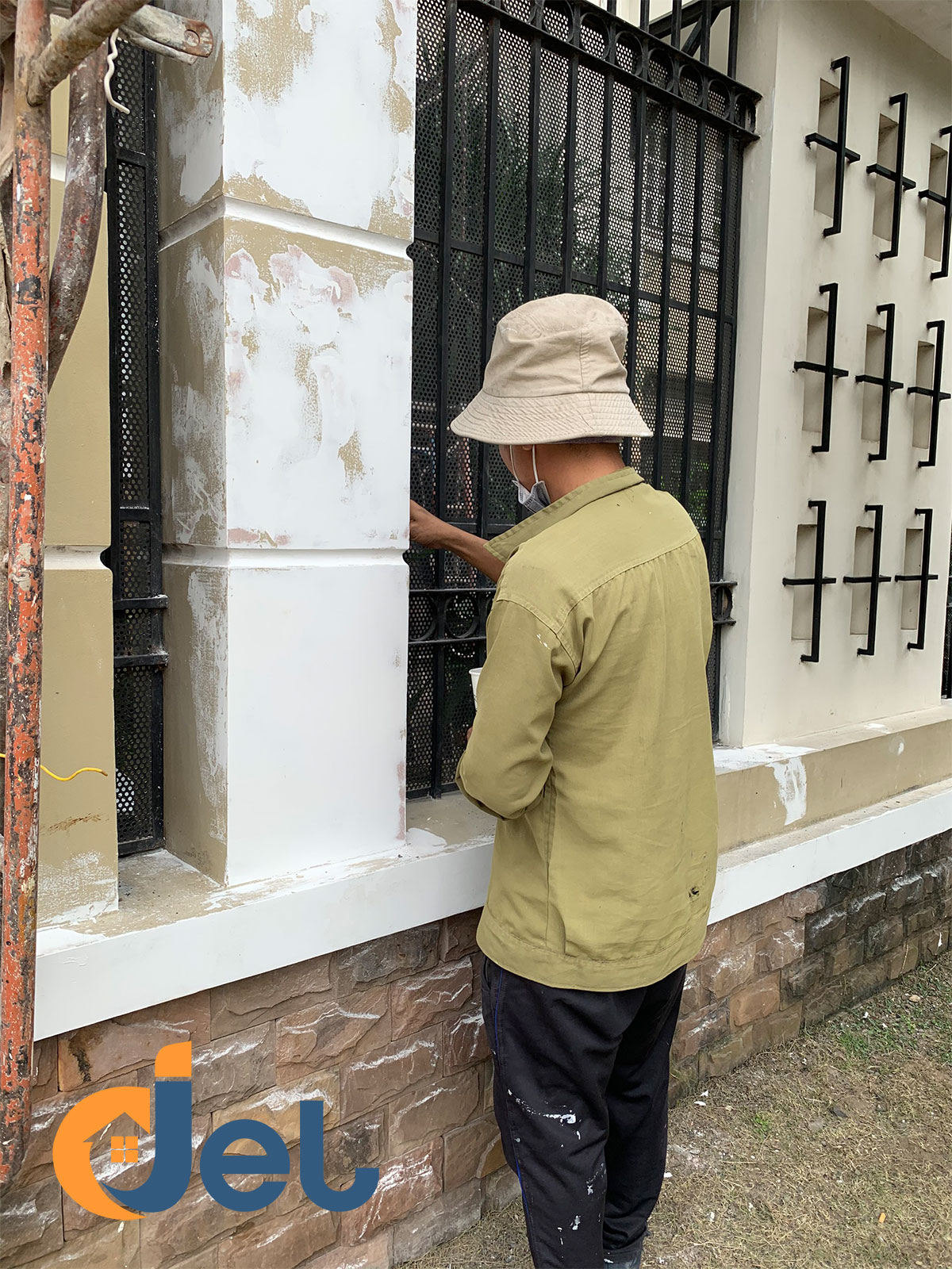 sơn hàng rào sắt